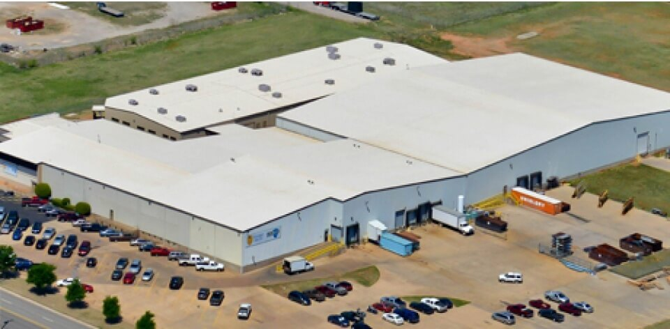 Business with new commercial roof in Oklahoma